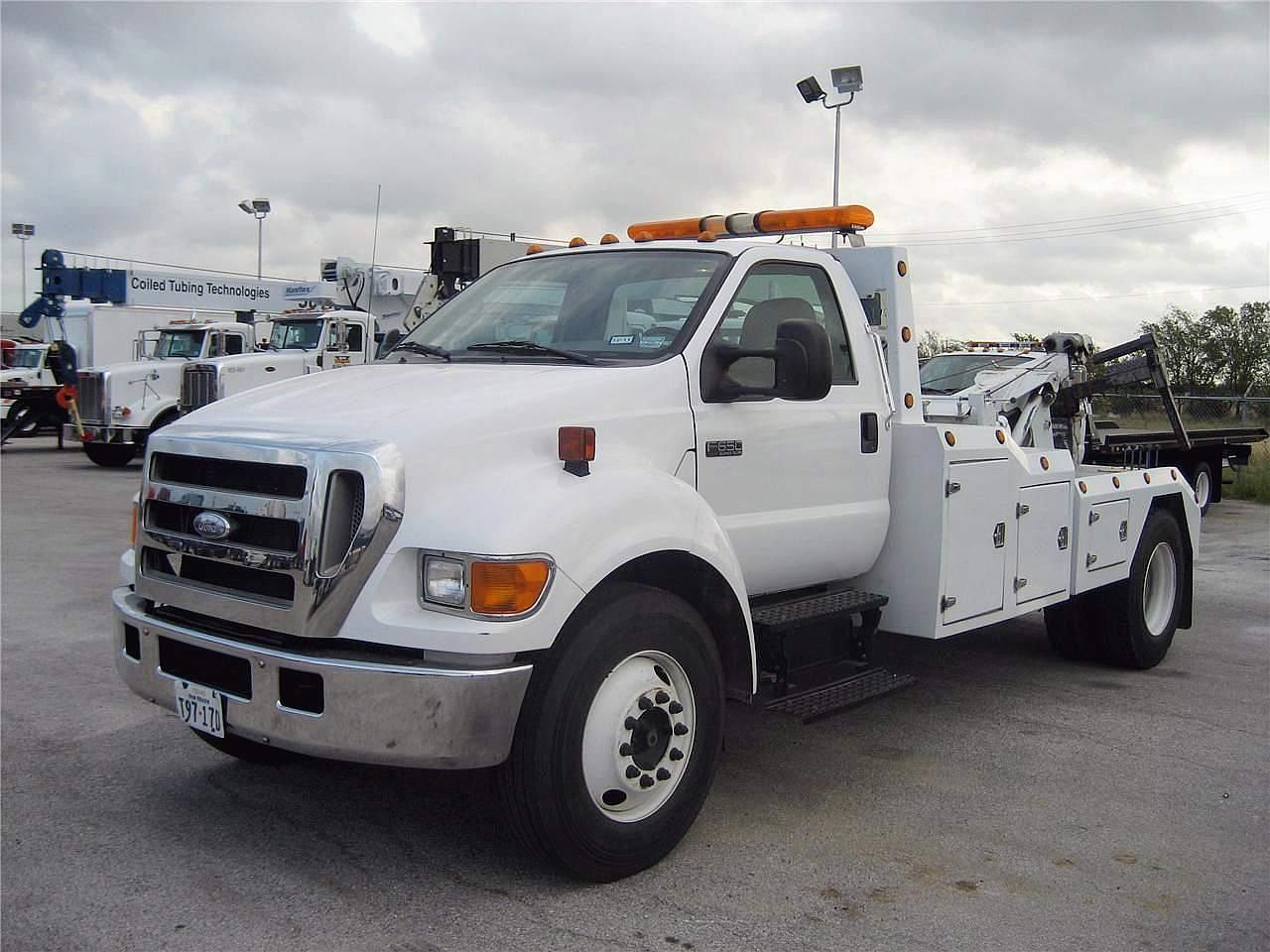 Medium Duty Tow Vehicle
